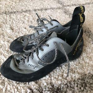Shoes - Rock Climbing shoes